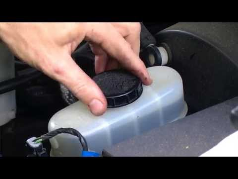 How to Check Brake Fluid - 2001 Ford F150