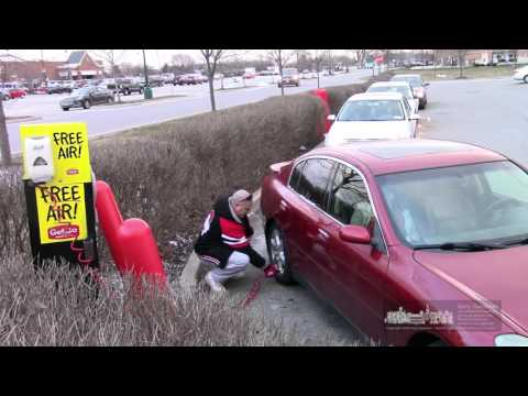 A Video A Day - Free tire air pump at Giant Eagle - January 18, 2016