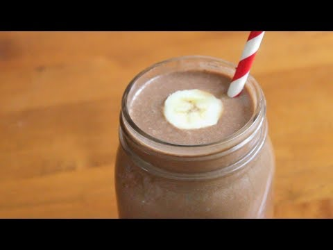 6 ingredient Chocolate Peanut Butter Smoothie | SweetTreats