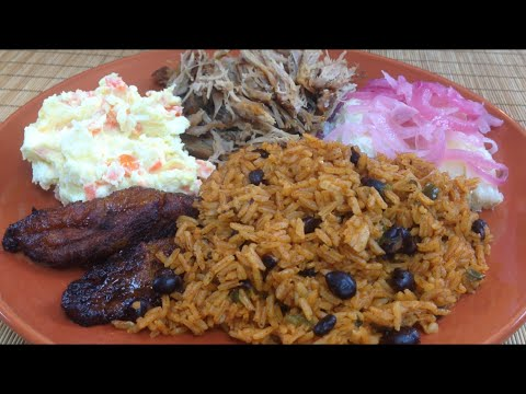 Spanish Style Black Beans and Rice (Moro) - Ohhlala Café ♥