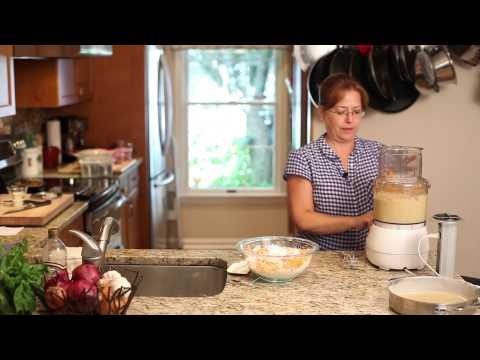 How to Make Carrot Cake With a Food Processor : Delicious Recipes