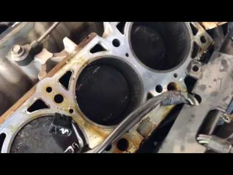 2001 Chrysler 303.5 L timing belt broke interference engine