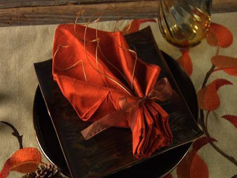 Easy Napkin Design - Fall Leaf Napkin