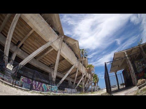 I SNUCK INTO THE BATTLEFIELD HARDLINE STADIUM (ABANDONED) | OmarGoshTV