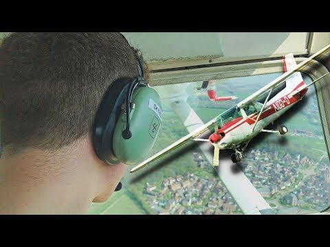 Taking the Cessna 152 for a flight - Skytrek Flying School [4K]