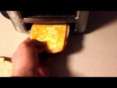 How to make grilled cheese sandwich with the toaster