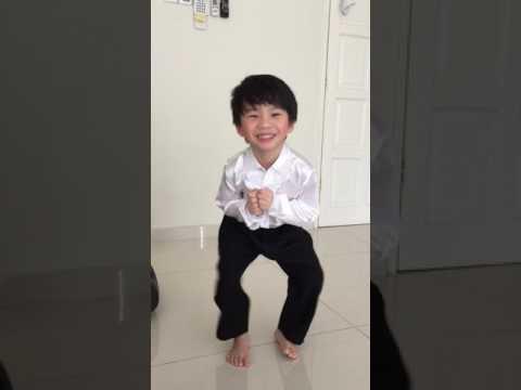Jaydan Fam shaking his legs