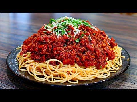 Spaghetti Bolognese Recipe - Bolognese Sauce and Spaghetti (Italian Pasta Recipe)