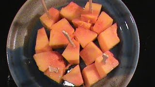 How To Pick Cut A Papaya Quick Easy Vegetarian Cuisine By Chinese Hom