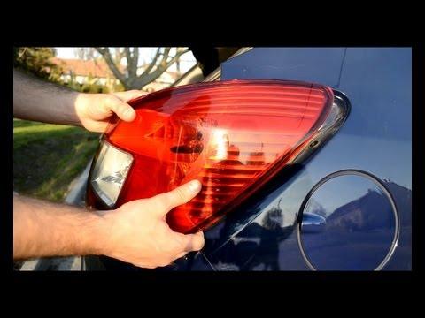 Tail light replace of an Opel Corsa D