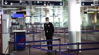 Londres impose l'isolement aux voyageurs, Madrid et Barcelone vont rouvrir terrasses et hôtels
