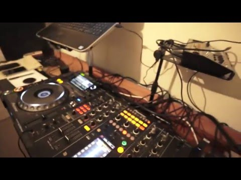 DJ ADVISE ON GOING IN TO THE RED ON A DJ MIXER
