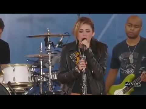 Miley Cyrus Live On GMA´s 2010 Summer Concert Series