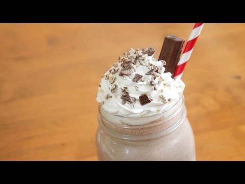3 ingredient Kit Kat Milkshake | SweetTreats