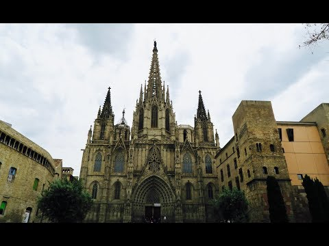 Drone footage of Barcelona's Cathedral!