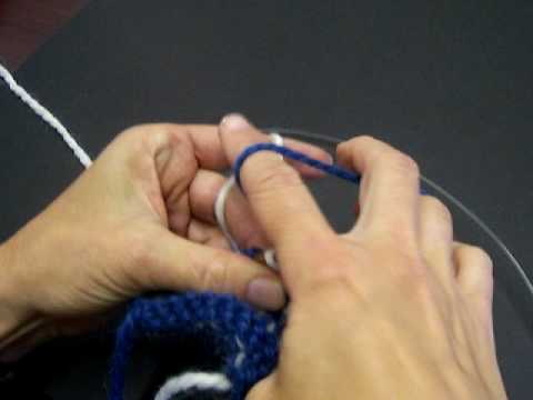 How to Catch Back Yarn in Two Color Stranded Knitting