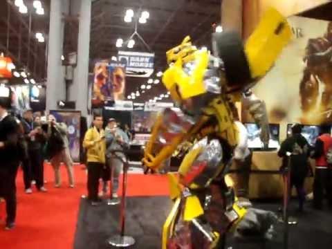 NYC Comic Con 2012 - Epic cosplay Bumblebee