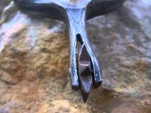 Forging of damascen stell spurs - forgotten fitting technique