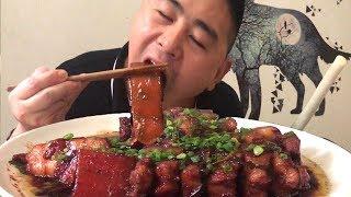 【超小厨】三斤五花肉,做道小厨版红烧肉,给自己解解暑,配根大葱解油腻,太安逸了!