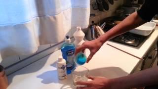 REAZIONE CHIMICA; acqua ossigenata + candeggina