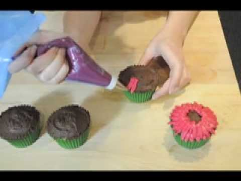 How to Make Amazing Pink Flower (Gerbera) Cupcakes .mov