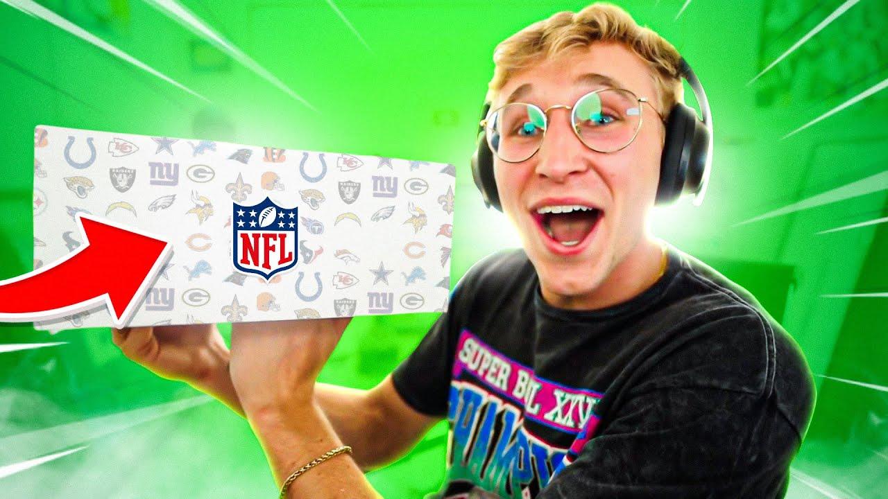 This Random NFL Box Builds My Team..!