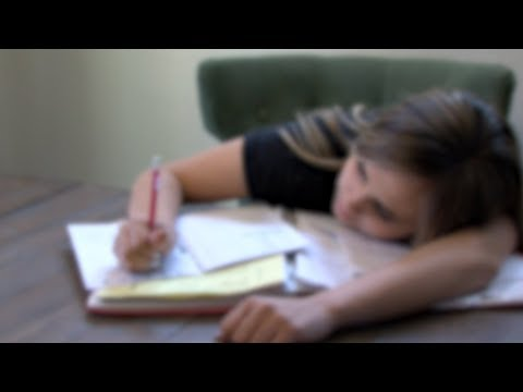 Mayo Clinic Minute: 5 signs your teenager is battling depression