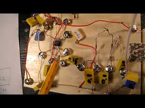 60 Hz or 50 Hz (variable) Sine Wave oscillator with a 555 Chip and a 3 pole R-C filter