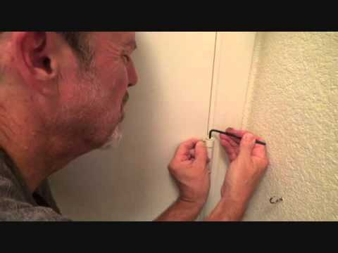 How to adjust a self closing hinge
