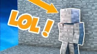 I AM STONE! | Minecraft SKYWARS TROLLING! (I AM STONE CHALLENGE!)