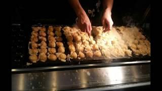 Download 일본 오사카 도톤보리 타코야끼 전문가의 기술 Takoyaki, Dotonbori, Osaka, Japan Video