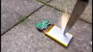 Baterai handphone ternyata bisa meledak!!!