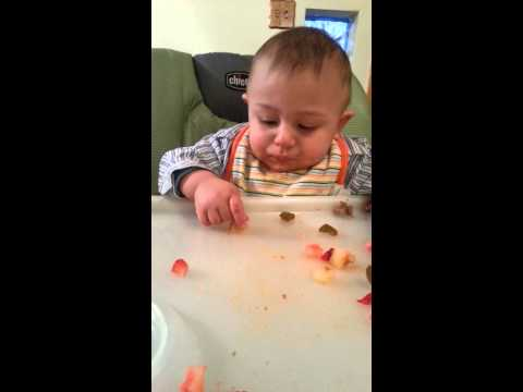My baby Yousef start eat real food