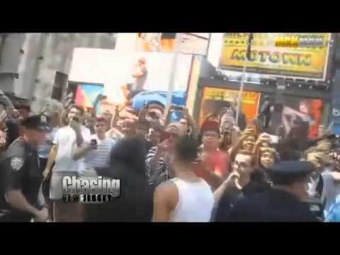 Obama Impersonator Wreaks Havoc On Time Square