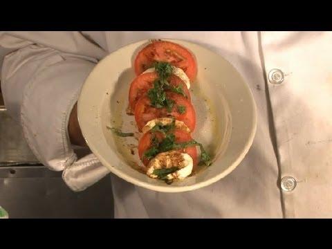 Mozzarella Caprese Salad With Olive Oil & Balsamic Vinegar : Cooking Italian Style