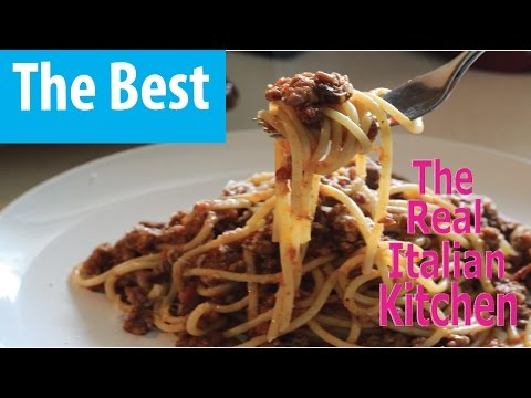 How to make Authentic Italian Meat Sauce (Bolognese) - REAL ITALIAN KITCHEN