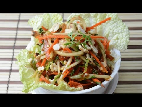 Som Tam Vegetarian - Thai Green Papaya Salad  - By Vahchef @ vahrehvah.com