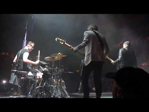 U2 Acrobat - second ever live performance - St. Louis - Experience + Innocence 2018-05-04