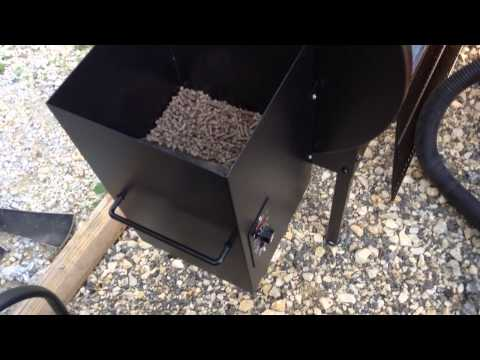 traeger pellet grill clean up and pellet change.