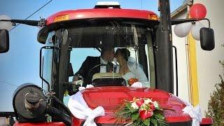 Beül a Norbi a nagy traktorba