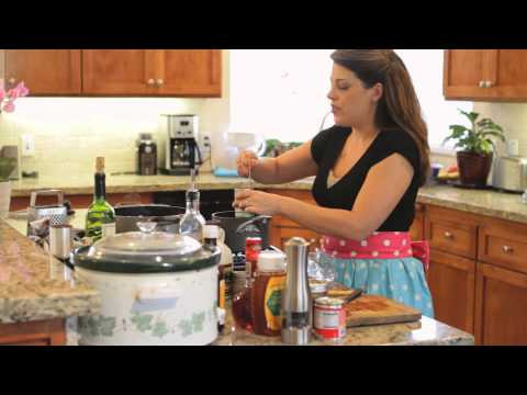 How to Cook BBQ Pulled Pork in a Crock-Pot With a Smoky Flavor : Skinny Recipes