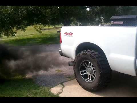 Spartan tuned f250 blowing black smoke