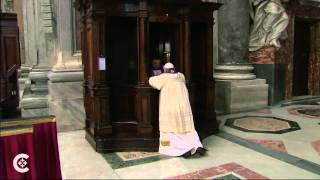 Pope Francis Goes To Confession