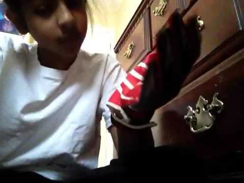 How to make your football gloves sticky