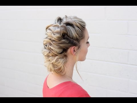 How to: Topsy Tail Hairstyle