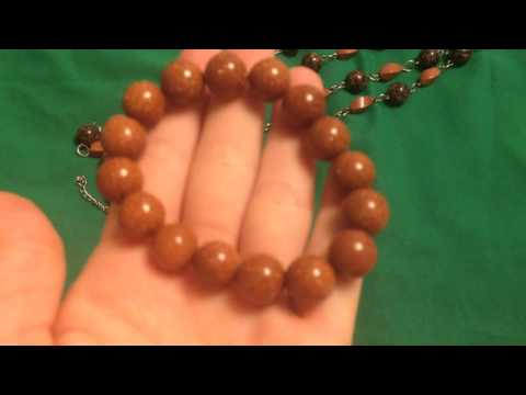 Jewelry set made of natural stones (beads bracelet)