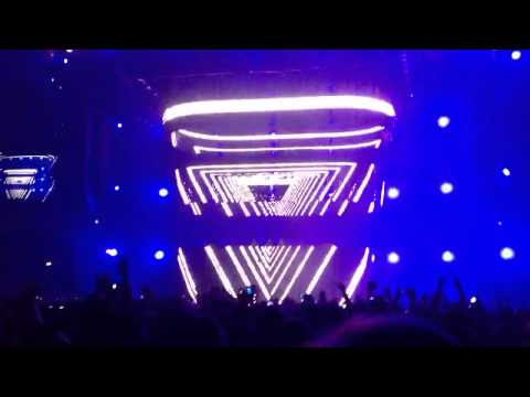 SHM Chicago - Leave the World Behind You
