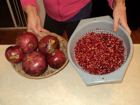 How to Extract Pomegranate Seeds