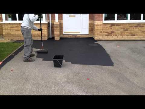 How to Refurbish a Tarmac Driveway - www.yorkshiredrivewaycleaning.co.uk.