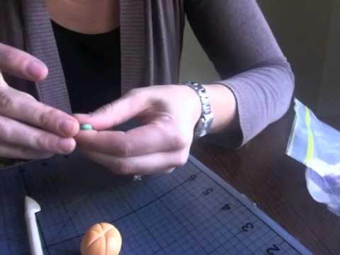 How to make fondant pumpkins for Halloween cupcakes